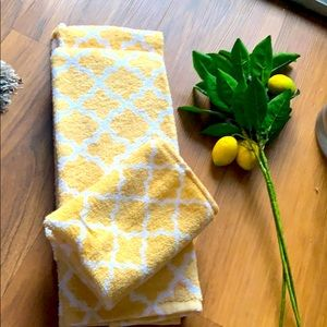JcPenney Yellow Trellis hand towels and washcloth